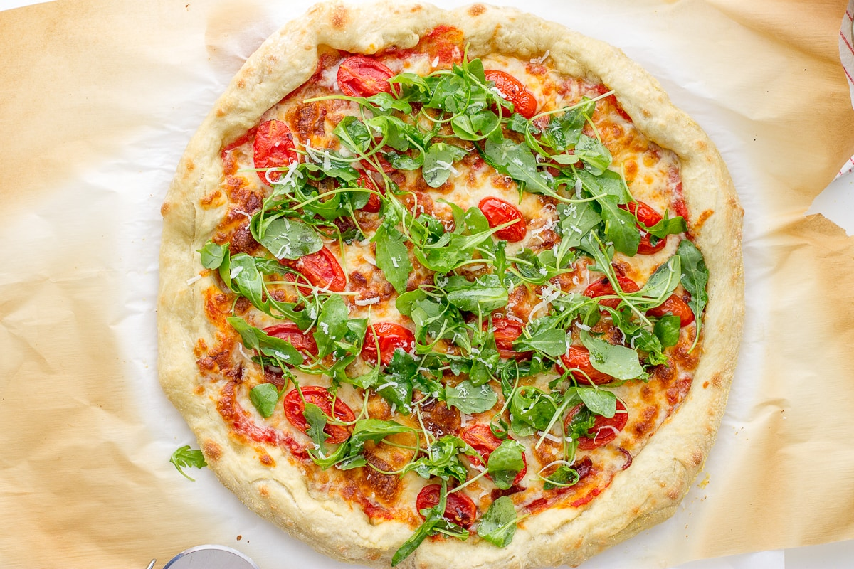 Arugula Tomato Bacon Pizza - Nourish & Fete